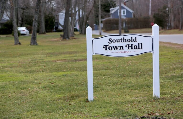 Civic groups ask Town Board to take action on large houses